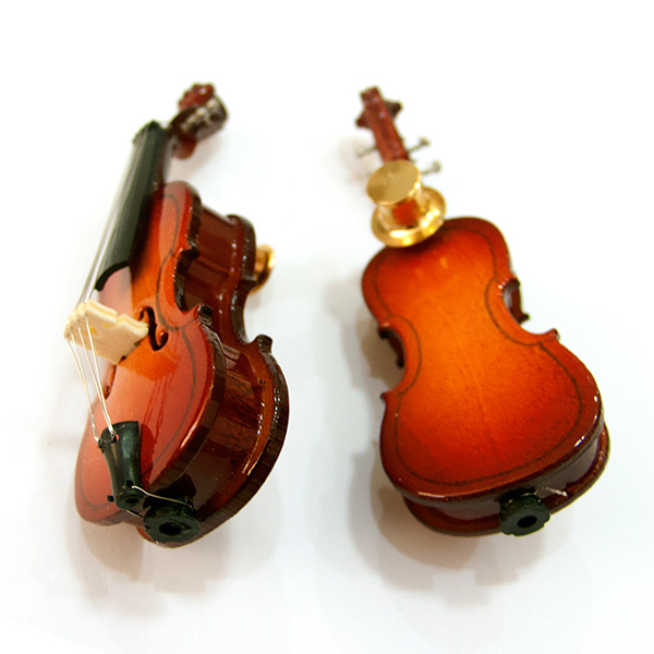 Cello sierspeld of broche
