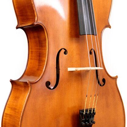 F-gaten en kam Anticky cello Praag Tsjechie Antique finish