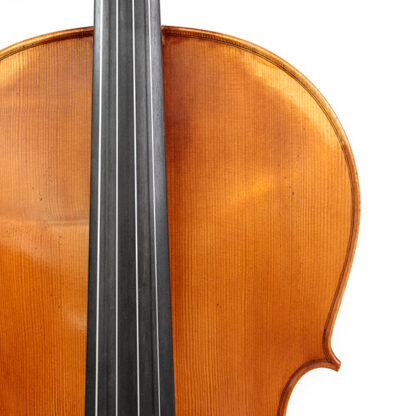 Detail voorblad Anticky cello Praag Tsjechie Antique finish