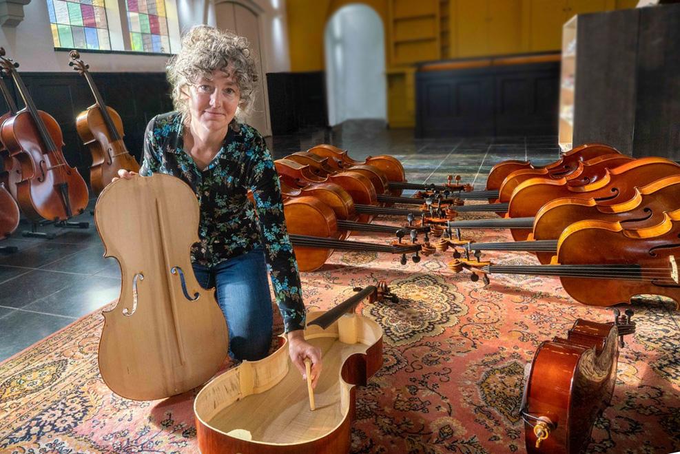 Mirjam Daalmans, Celliste, cellodocente en eigenaar Cellowinkel te Dieren
